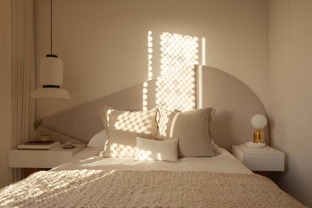 Le camere da letto particolari e moderne sono quelle che non si limitano a contenere un letto comodo, ma creano un'atmosfera precisa formata caratterizzata dall'insieme armonioso dei diversi elementi che la compongono. Camera Da Letto Moderna Errori Da Evitare E Consigli Originali
