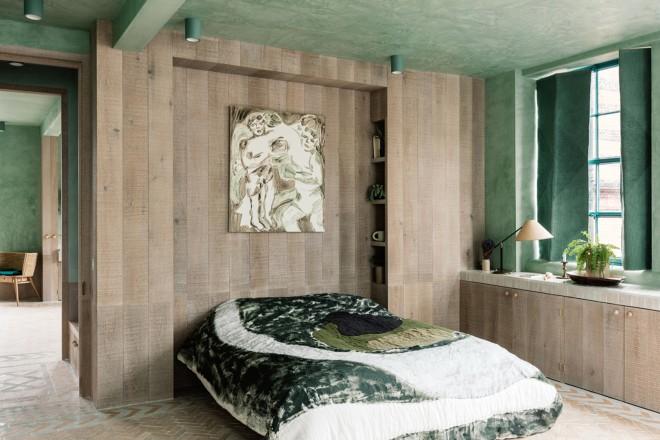 Chi ama lo stile moderno può abbinare ai mobili chiari delle pareti blu o verde smeraldo. Colori Pareti Per Camere Da Letto Moderne E Classiche Living Corriere