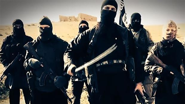 Presos del Daesh se amotinan y escapan de la principal cárcel de Siria