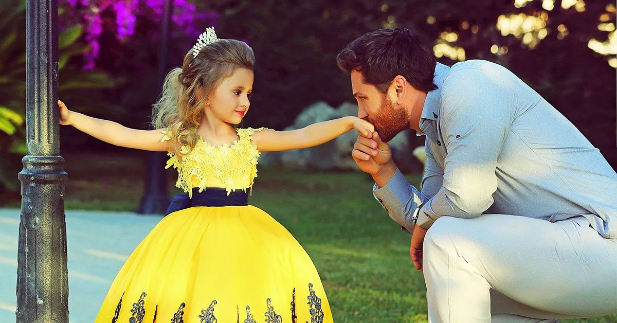 25 Girl Names That Will Take Dad's Breath Away | Best Ten News