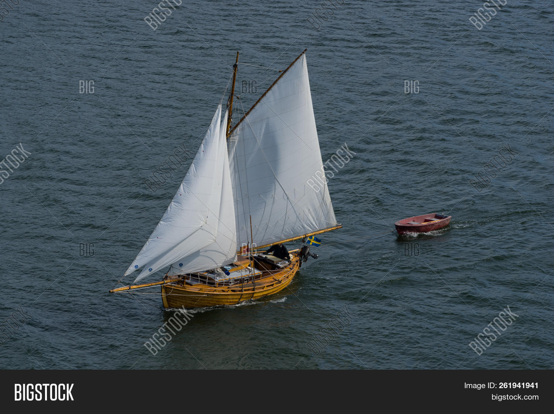 modern wooden sailing image