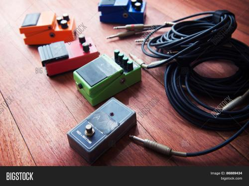 small resolution of setting up guitar audio processing effects electric guitar stomp box effectors and cables on studio create a lightbox