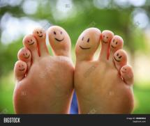 Smiley Face with Feet