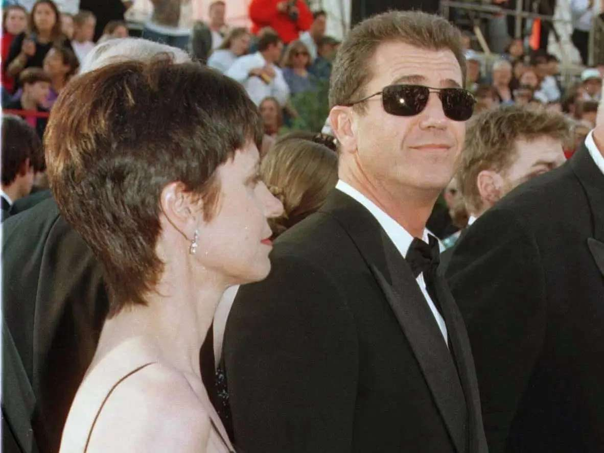 #6 Mel and Robyn Gibson