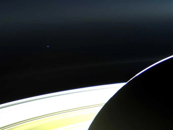 Glimpse Of Earth Cassini Spacecraft Week - Business Insider