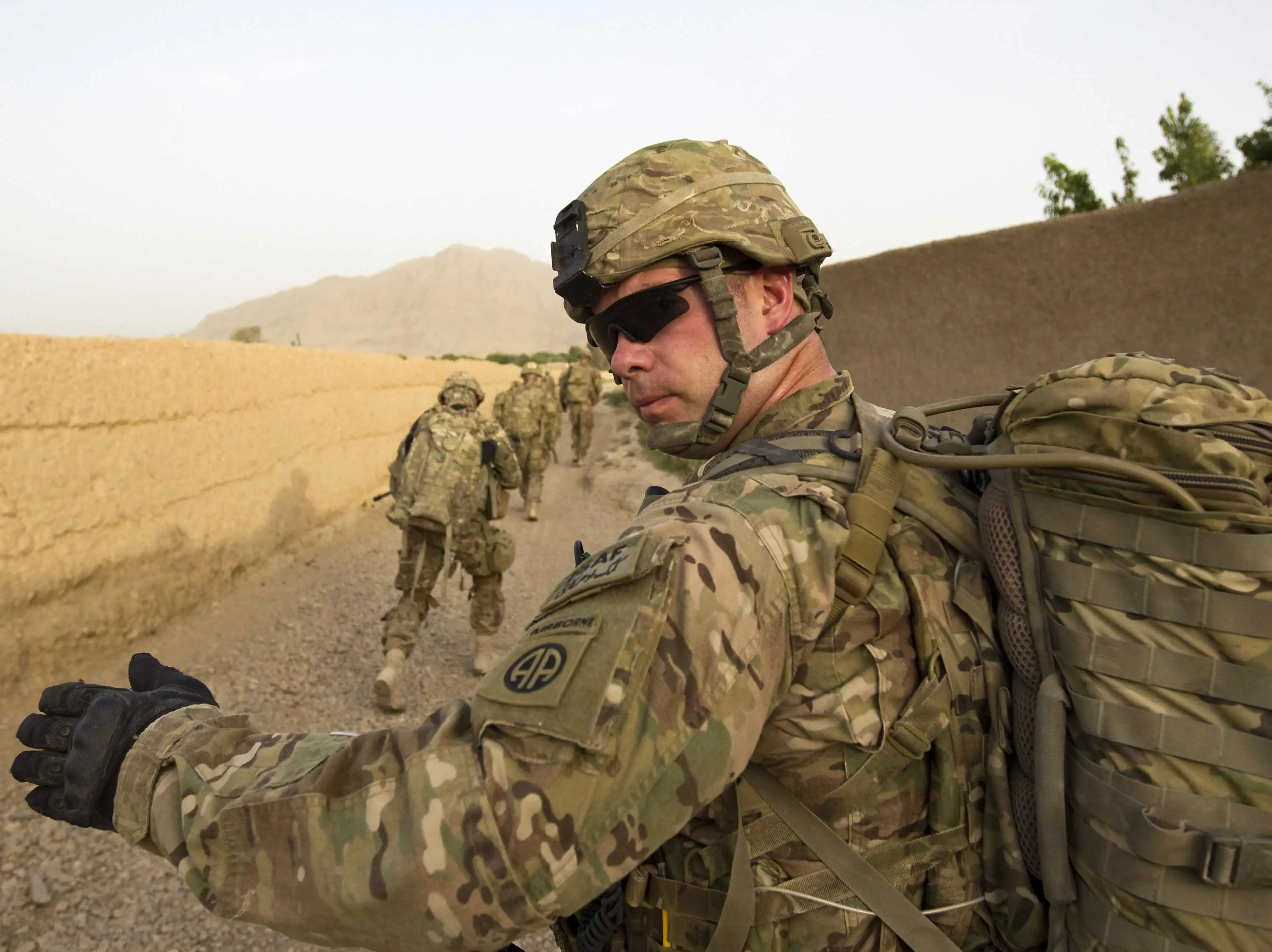 Ex Nato Chief 15 000 Troops Should Stay In Afghanistan After