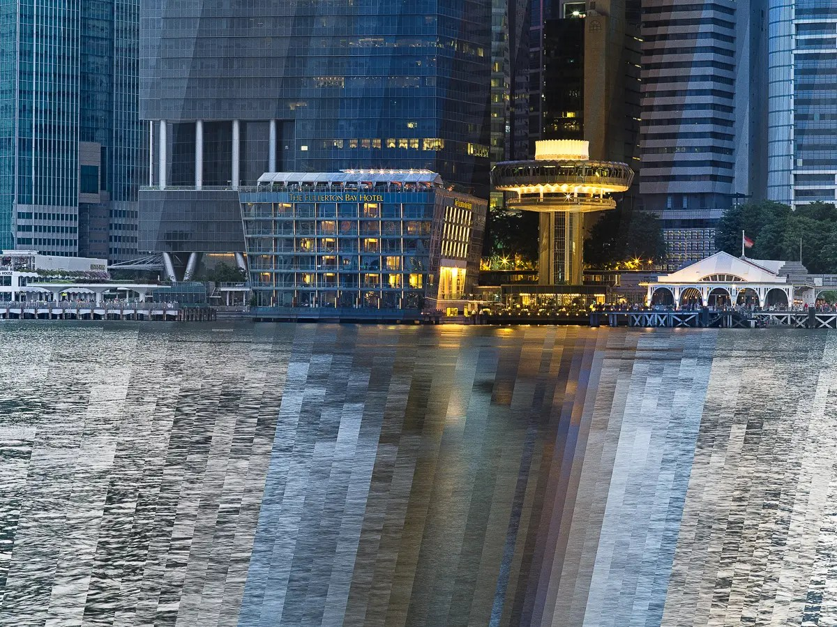 The Fullerton Bay Hotel comes alive at night in Wei's compilation photograph.
