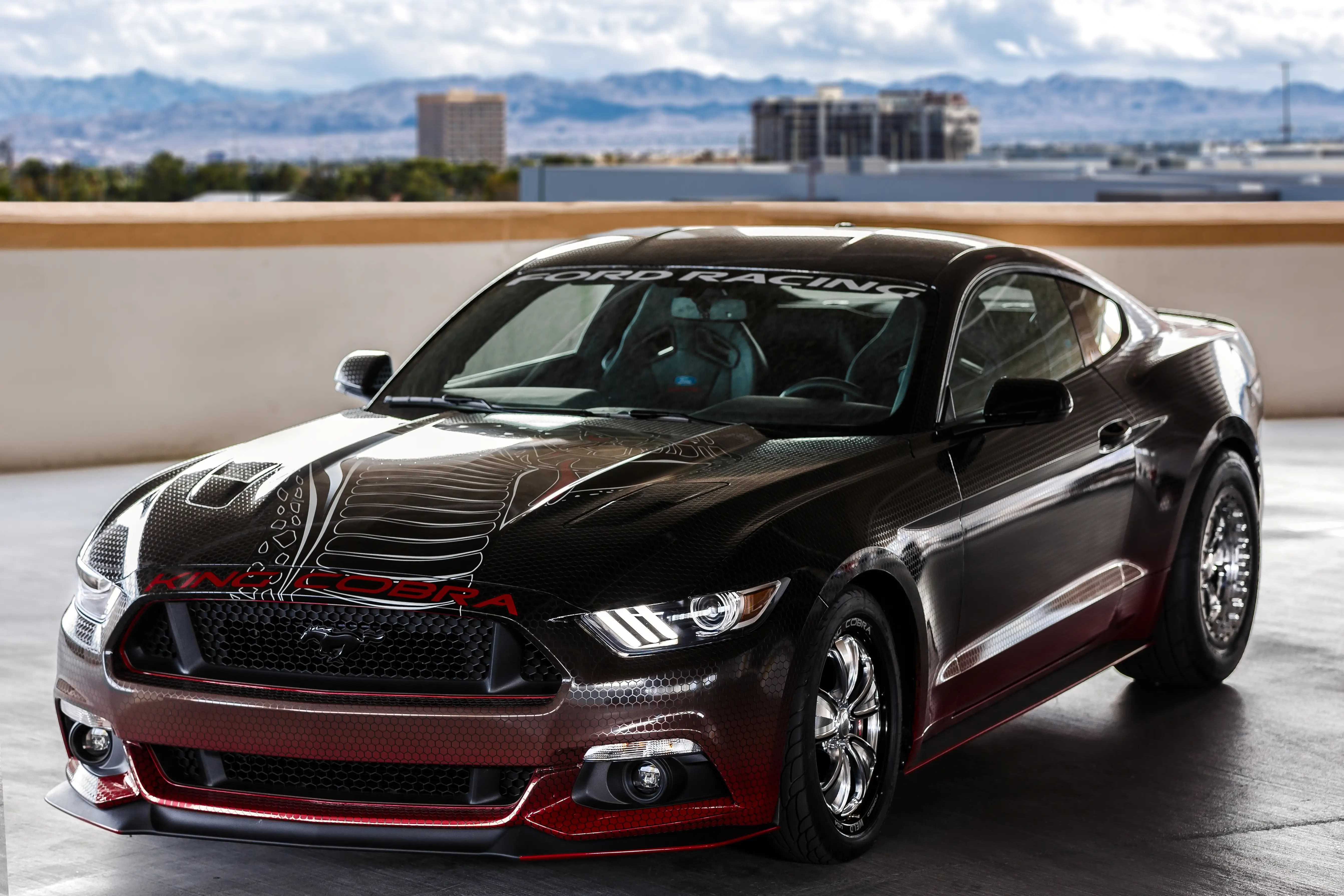 Ford showed up with a dragster, as well, with this 600 horsepower King Cobra Mustang.