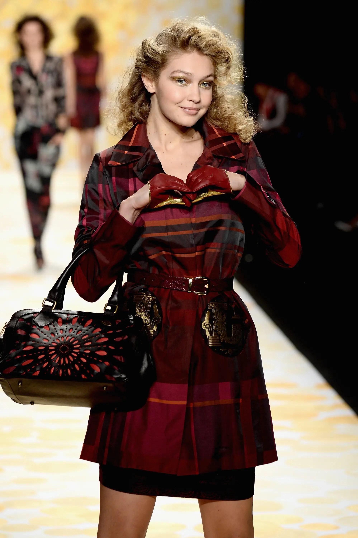 Gigi Hadid model runway