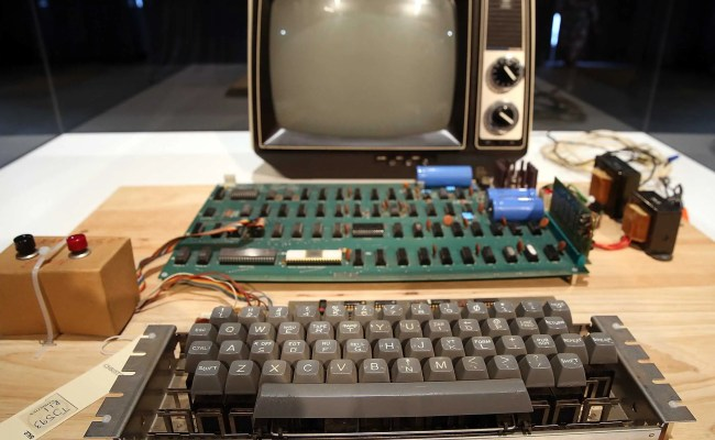 A Woman Dropped Off This Old Apple Computer Worth 200 000