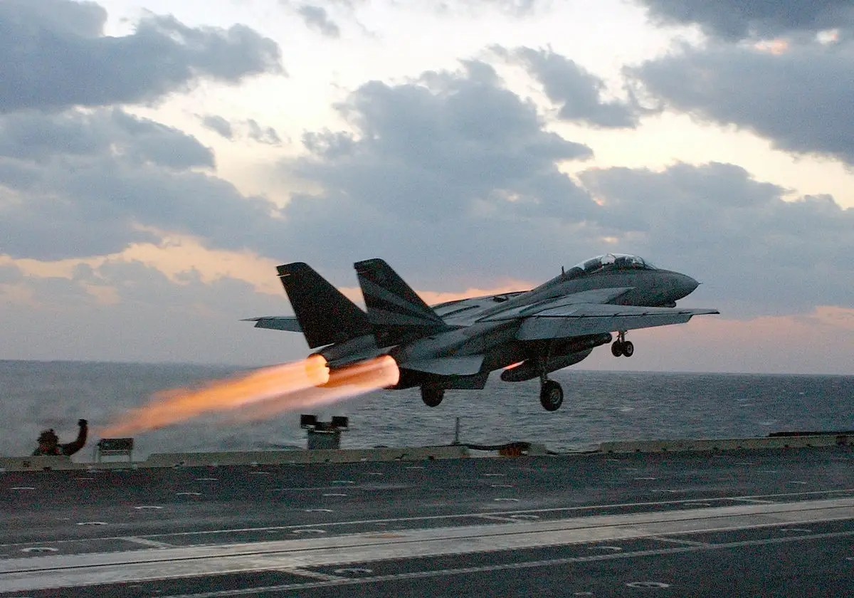 Why The F14 Tomcat Is One Of The Greatest Fighter Jets Of