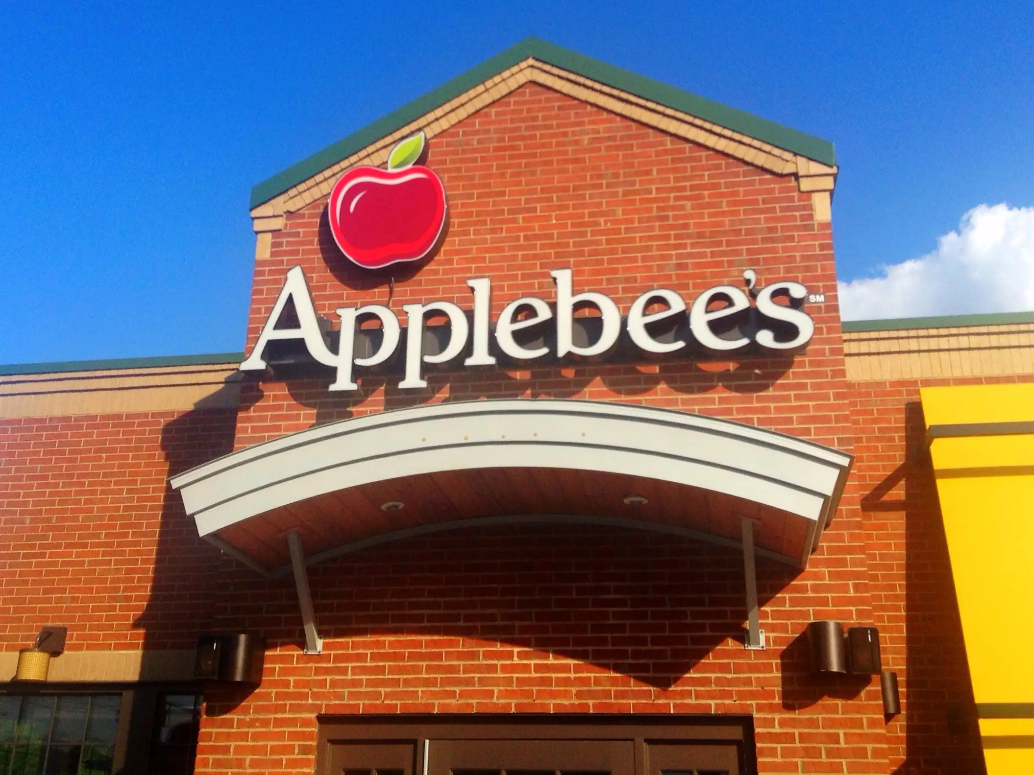 Casual dining chains like Buffalo Wild Wings and Applebee's
