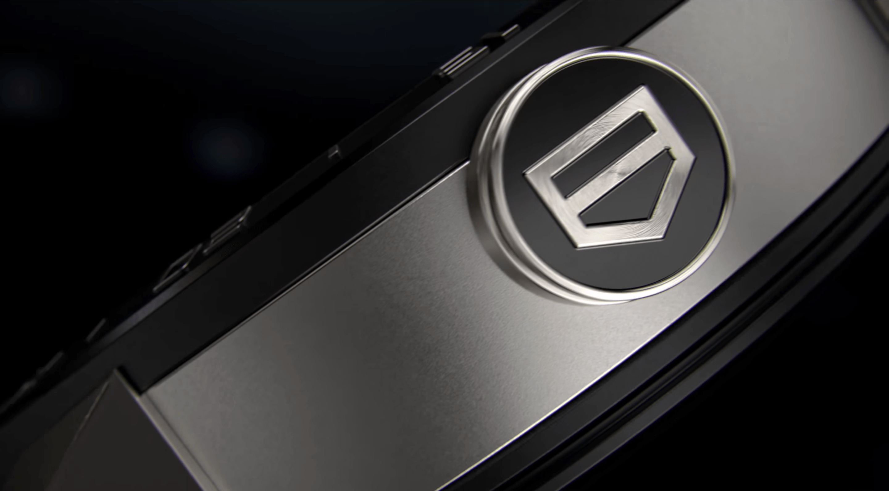 The button on the side showcases modern Tag Heuer iconography.