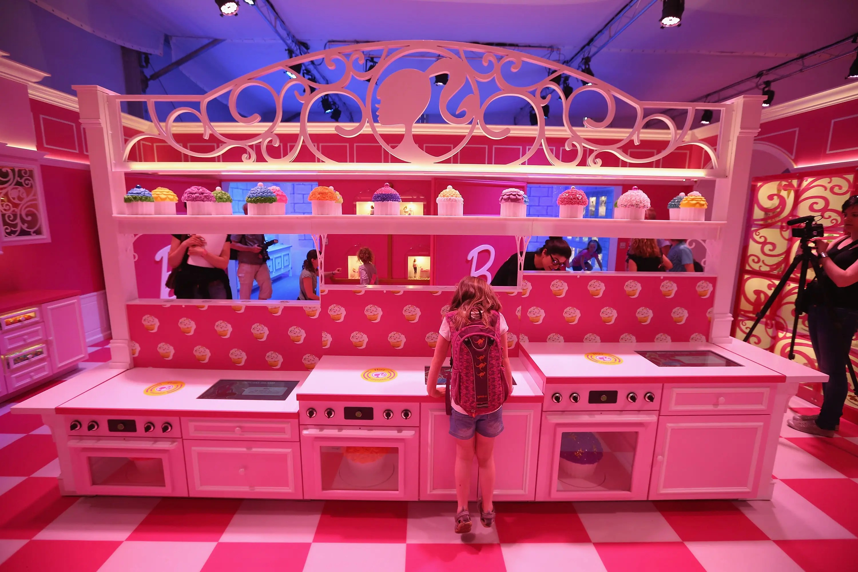 Photos Of The Ridiculous Life Sized 'Barbie Dreamhouse' In Berlin