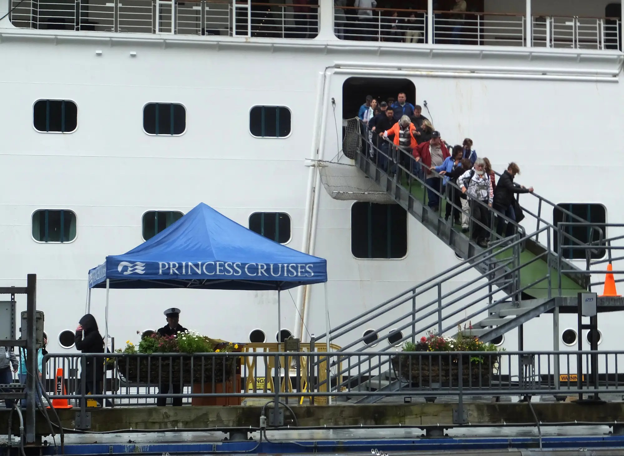 princess cruises alaska domestic dispute death