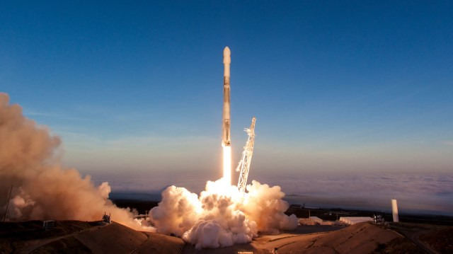 falcon 9 rocket launch space mission iridium next 5 march 30 2018 spacex 40227112595_c34a1cf8d1_o