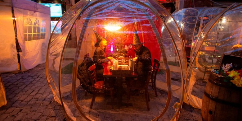 indoor covid dining