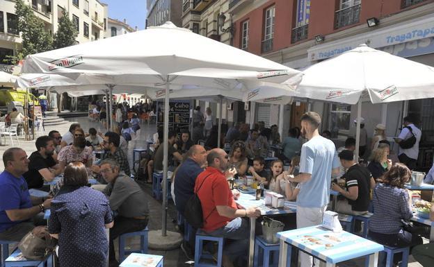 Vía Pública mantendrá el tamaño de las terrazas actuales y sólo limitará las nuevas en Málaga
