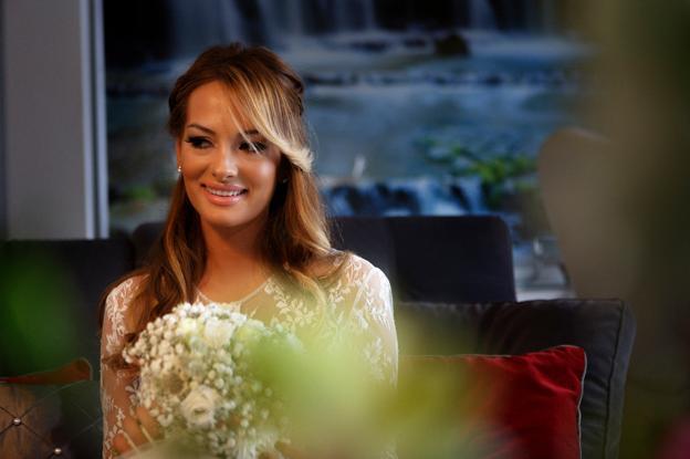 Carmen, preciosa en su boda junto a Francisco.