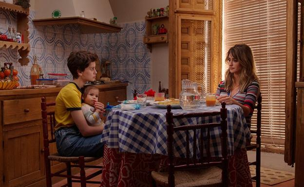 A still from 'Parallel Mothers'.