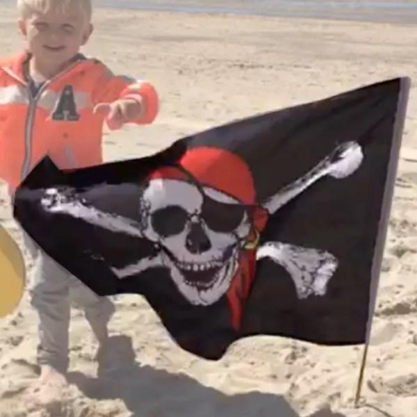 Kalóz zászló 90 cm Kalóz
