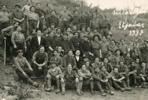 La primera sección 3ª Compañía del Tercio Lácar en Kalamúa, en enero de 1937.