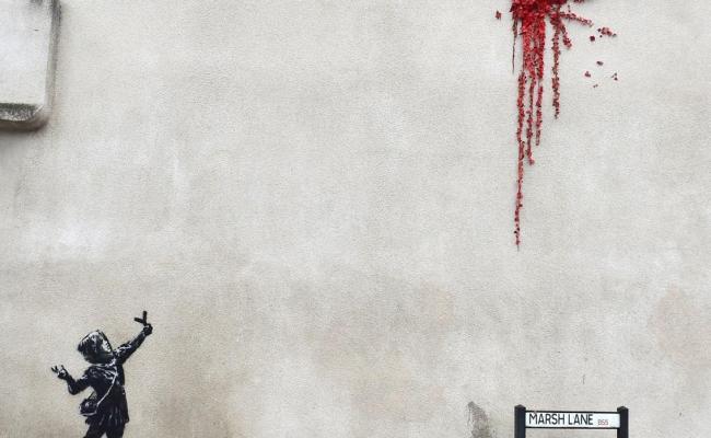 Banksy Reaparece Por San Valentín Con Una Provocadora