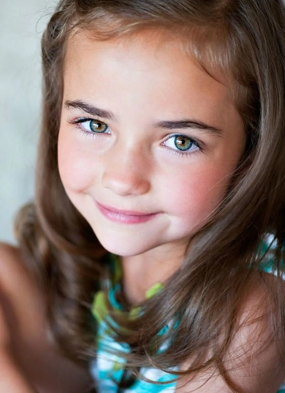 25 Adorable Baby Names For Girls With Hazel Eyes Best Ten News