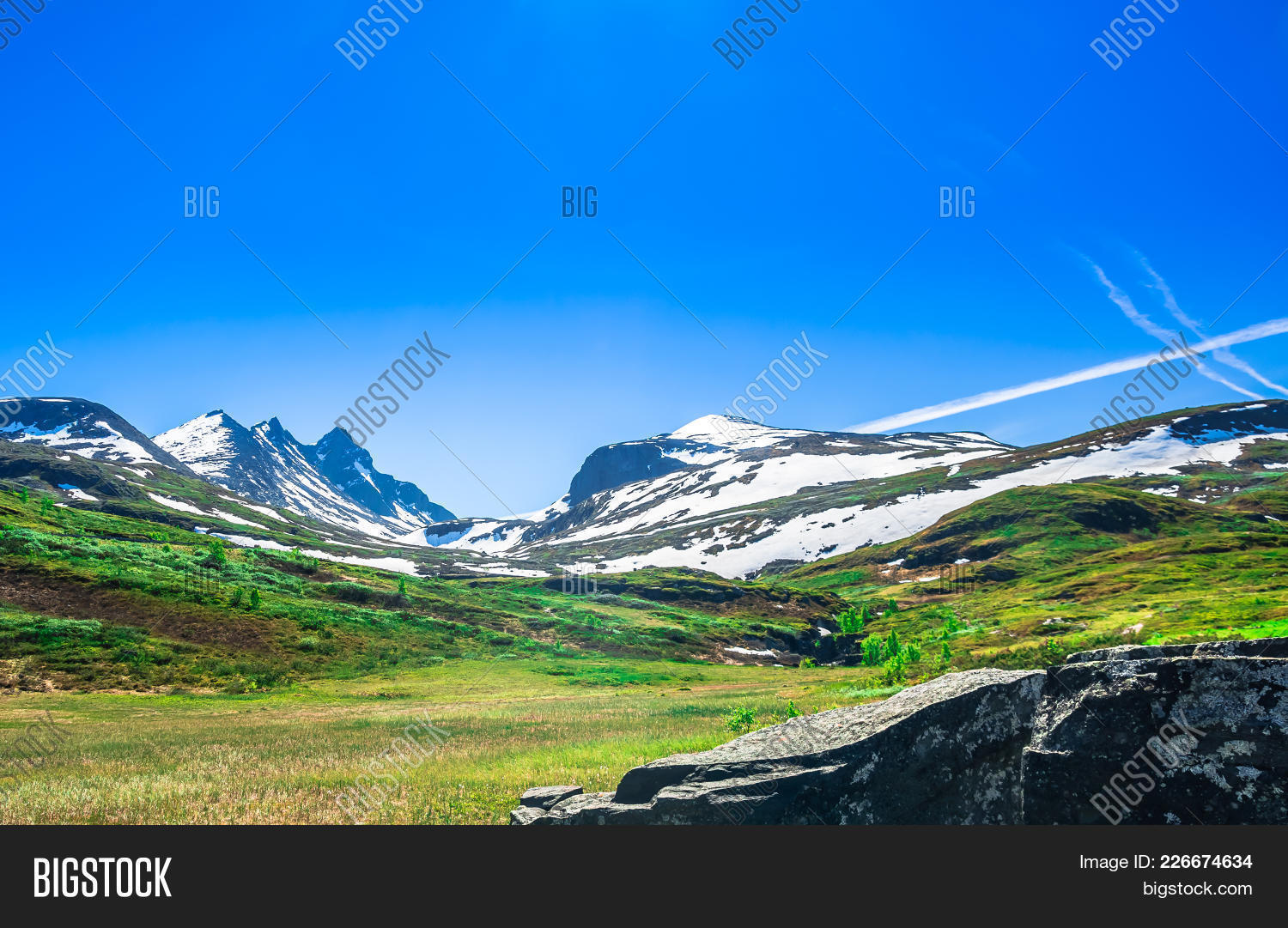 View on mountain powerpoint template PowerPoint Template - View on ...