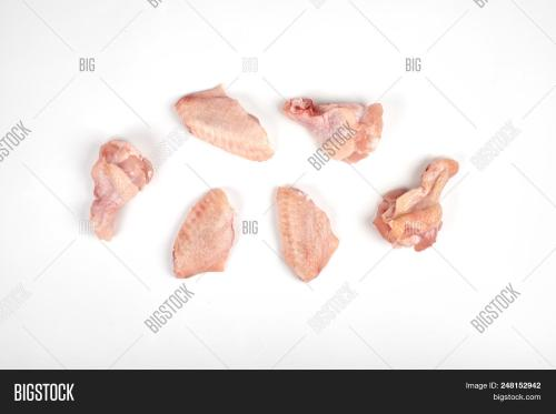 small resolution of raw chicken wings isolated on white background