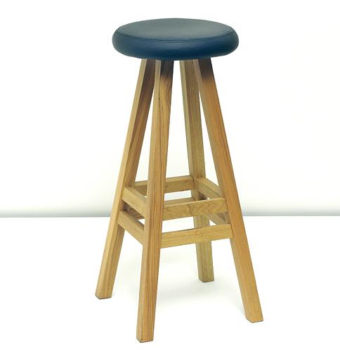patio chairs with footrests midcentury dining nazanin kamali oki-nami stool