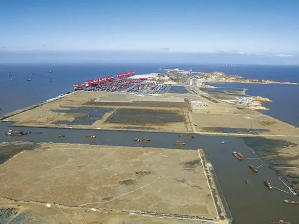 $8 BILLION: The Shanghai Yangshan Deep Water Port Project will handle the largest container ships in the world