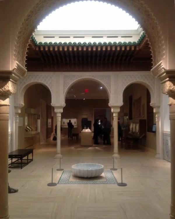 Louvre' And Met' Islamic Art Collections Bridge