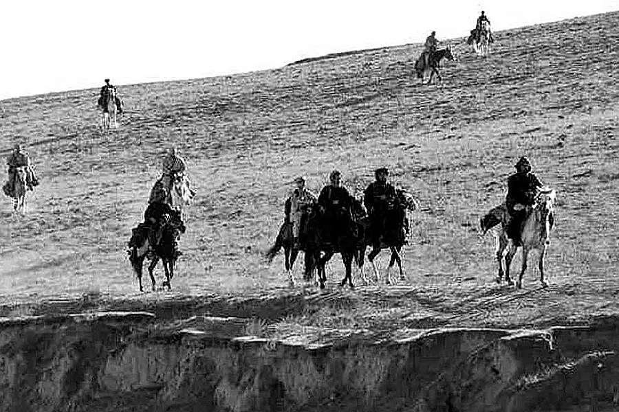 Riding on horses in the beginning of that war ...