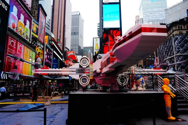 Star Wars Lego X-wing In Times Square - Business