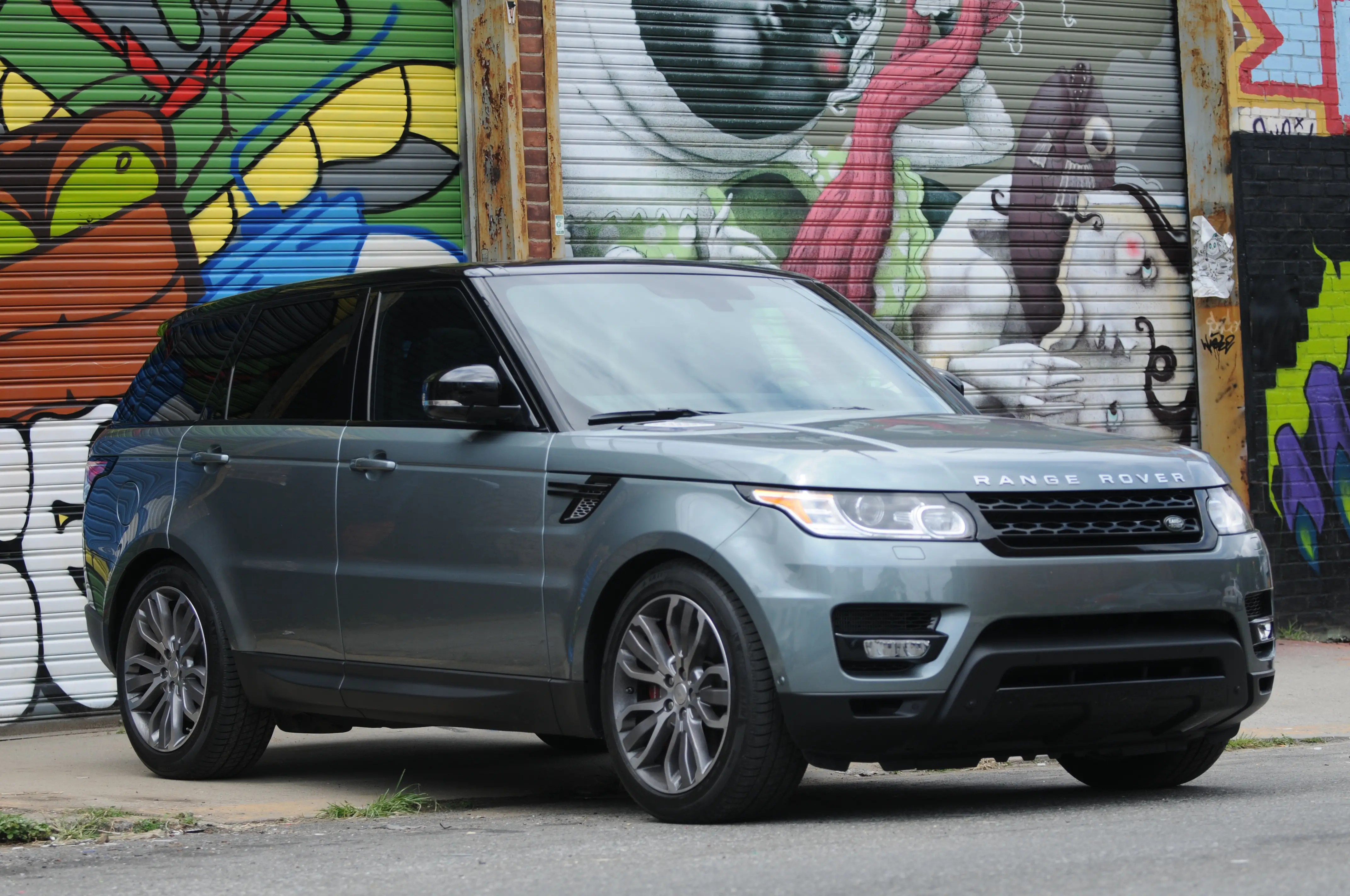 Range Rover s stunning Porsche fighter is here — and it s a high