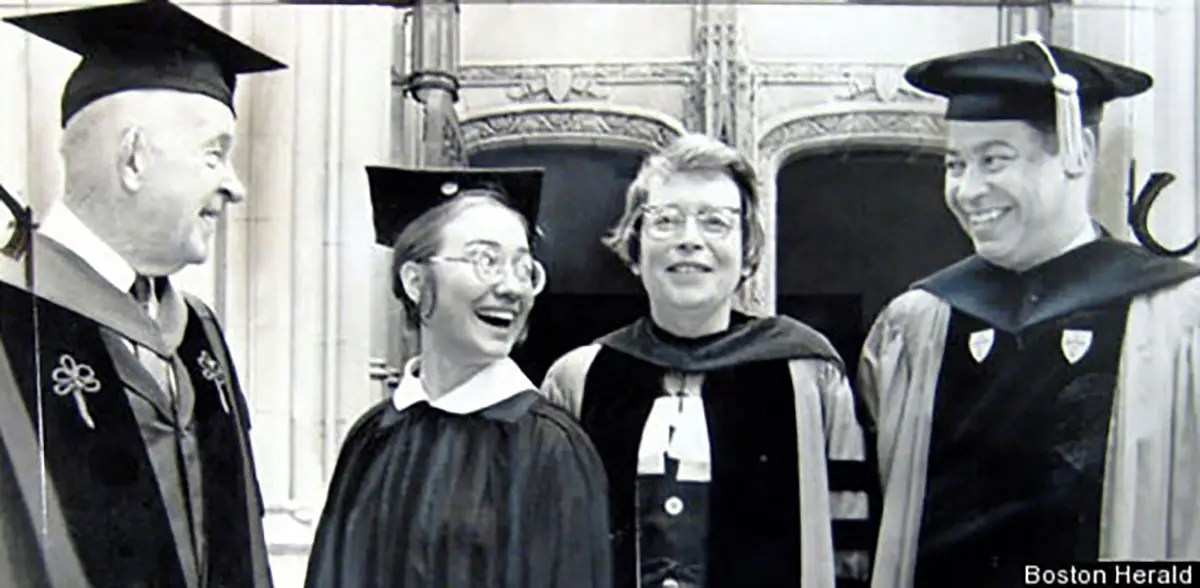 At commencement, she tossed aside much of her prepared speech and criticized the remarks of a US senator, who had spoken just moments before. TIME magazine profiled Clinton, and she arrived at Yale Law School with a reputation for audacity.