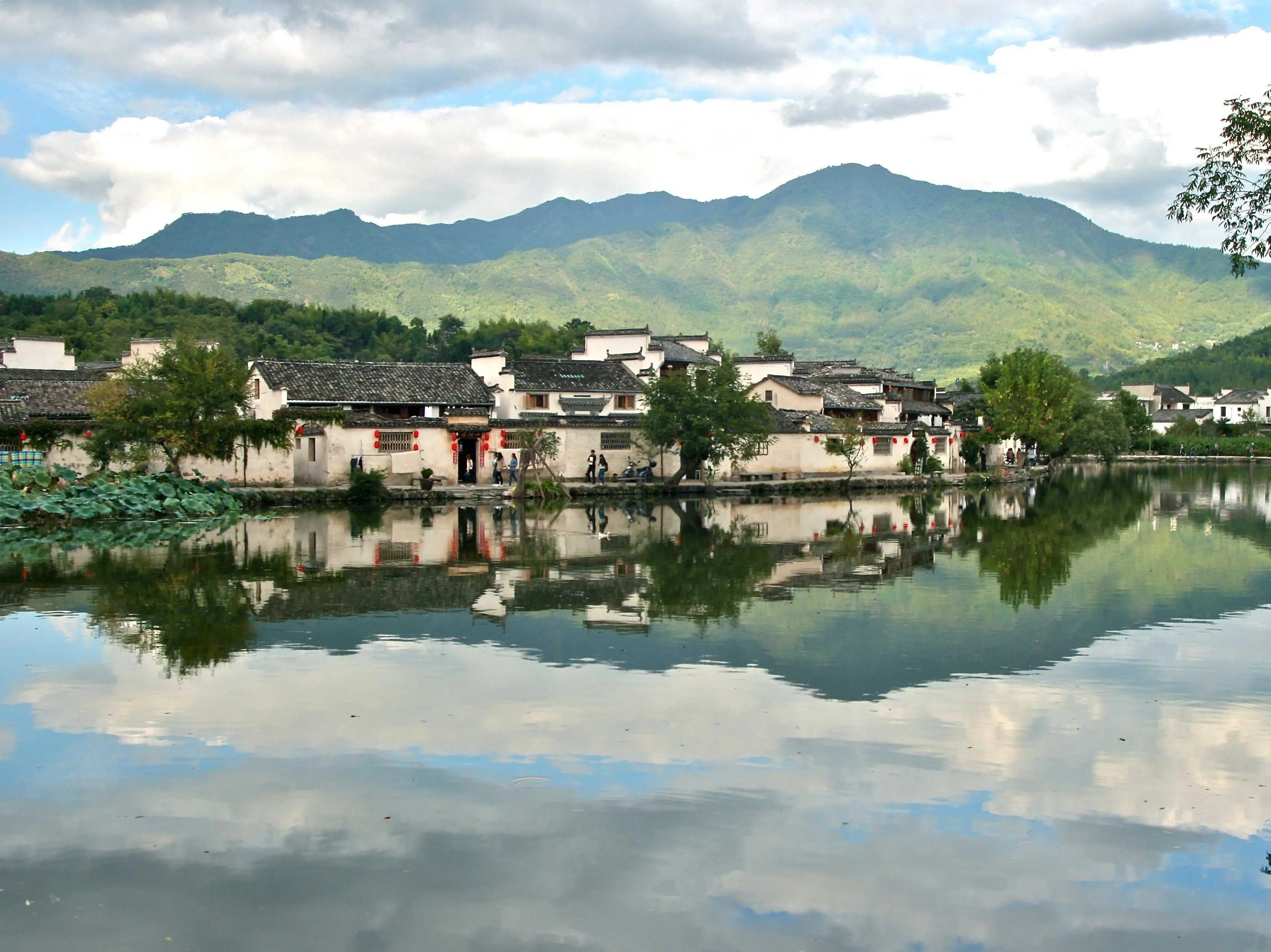 Hongcun, also located in China's Yi County, has around 150 residences that also date back to the Ming and Qing Dynasties, and one of the biggest, the Chenzi Hall, also contains a small museum where you can learn about the area's history.