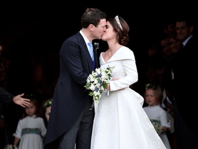 princess eugenie jack brooksbank first kiss