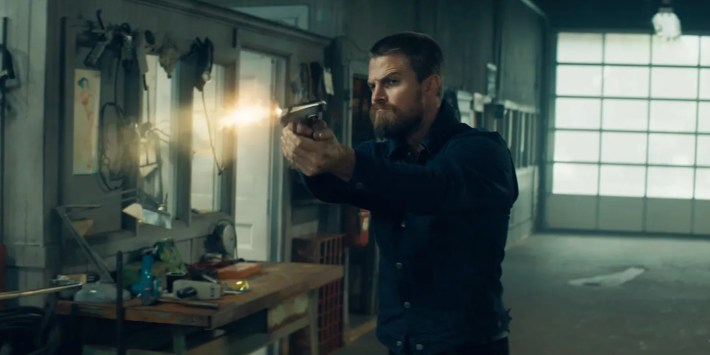 Code 8 Proves Stephen Amell Would Have Been the Perfect DCEU Green ...