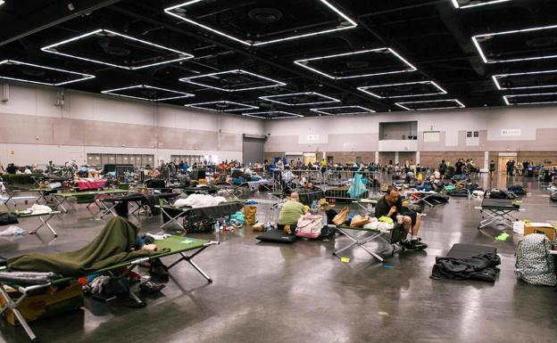 They enable the Oregon Convention Center so that citizens are air conditioned to take refuge from the high temperatures.