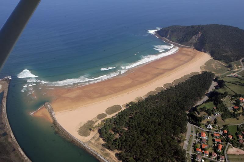 Playa de Rodiles  El Comercio