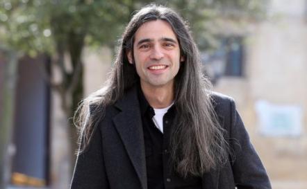 El dramaturgo Álvaro Tato.
