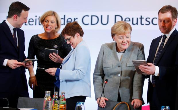 Fight for the succession of Merkel in the federal congress of the CDU