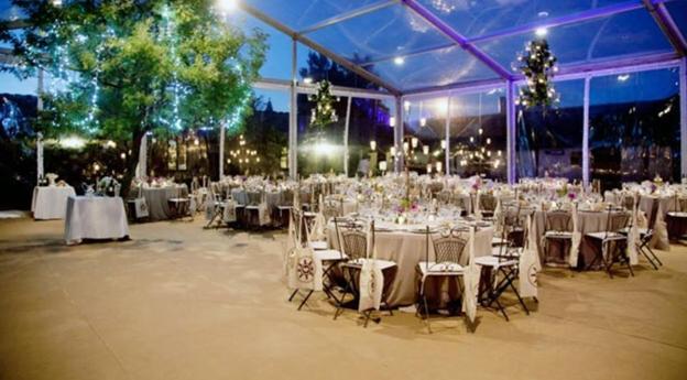 Carpa transparante como plan B de una boda en la región.