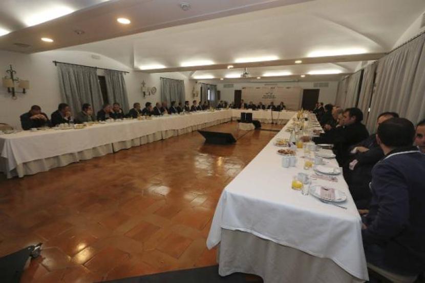 Panorámica del encuentro empresarial que se desarrolló ayer en Mérida dentro del foro organizado por HOY y el Banco Popular. :: José Manuel ROMERO/