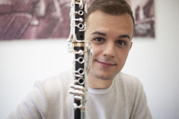 Víctor Díaz Guerra estudió en el conservatorio de Cáceres antes de iniciar su carrera internacional . :: j. r./