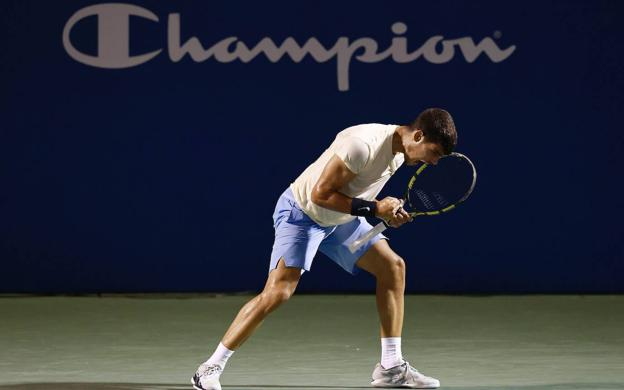 Carlos Alcaraz celebrates a point, in the quarterfinals against Marcos Giron.