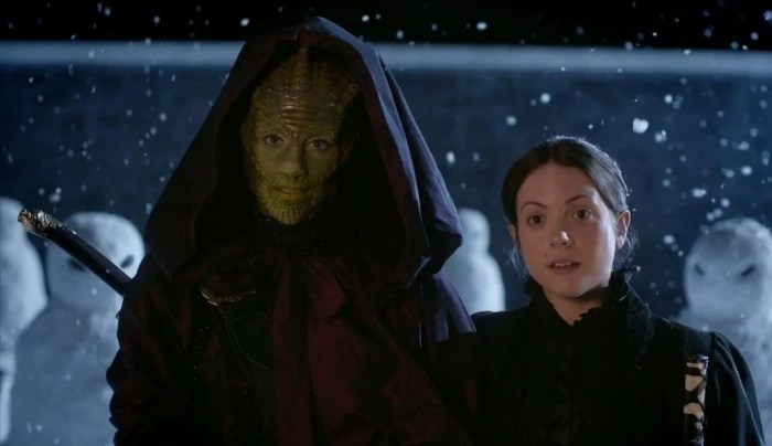 https://i0.wp.com/static3.wikia.nocookie.net/__cb20130505044335/tardis/images/c/c6/Lizard_Woman_From_The_Dawn_Of_Time_And_Wife.jpg