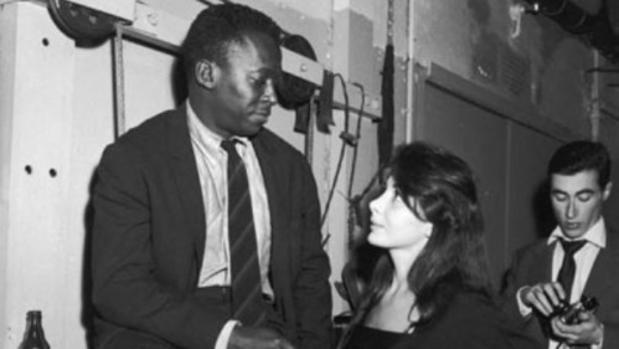Miles Davis y Juliette Gréco, en una imagen de la época